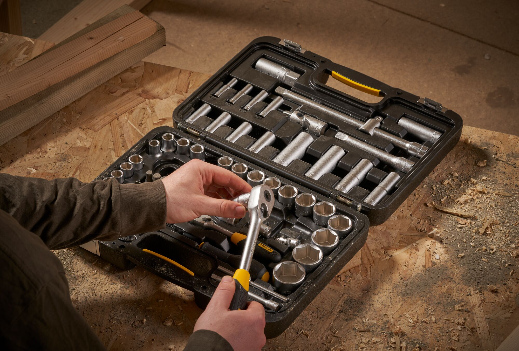 """STANLEY® 1/4"""" and 1/2"""""""" 72 Tooth Ratchets and Socket Set with accessories (96 pieces)"""""""